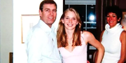 Prins Andrew tillsammans med den då 17-åriga Virginia Giuffre, hemma hos Jeffrey Epstein 2001.