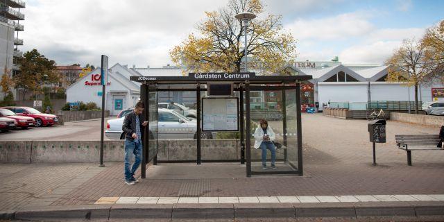 Busshållplats i Gårdsten.  Björn Larsson Rosvall/TT / TT NYHETSBYRÅN