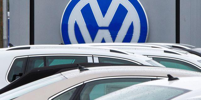 VW räknar med att klara sig på en slutnota under 21 miljarder dollar, motsvarande 190 miljarder kronor, för avgasfusket, enligt Reuters källa. PAUL J. RICHARDS / AFP