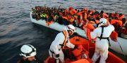Båt med migranter på Medelhavet. Francesco Malavolta / TT NYHETSBYRÅN