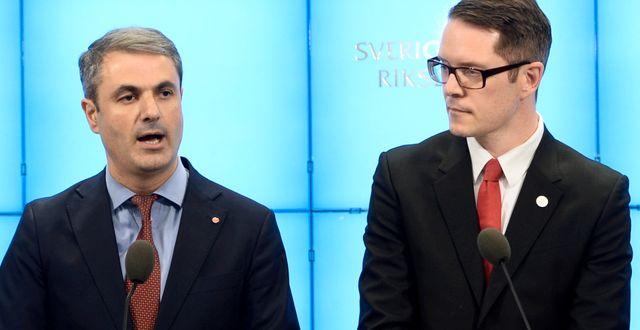 Näringsminister Ibrahim Baylan (S) och Moderaternas närings- och energipolitiska talesperson Lars Hjälmered Henrik Montgomery/TT / TT NYHETSBYRÅN