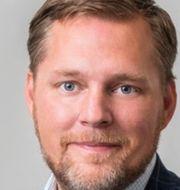 Företagarans vd Günther Mårder och nationalekonomen Oskar Nordström Skans ser negativa ekonomiska effekter av hemarbete. TT, Pressbild(Företagarna och Uppsala universitet)