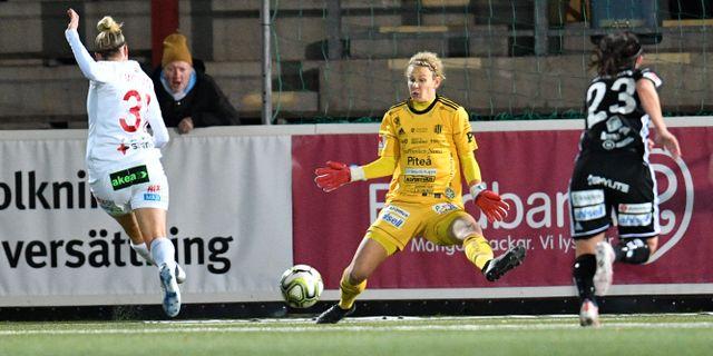Anja Mittag rullar in 1–0. Johan Nilsson/TT / TT NYHETSBYRÅN