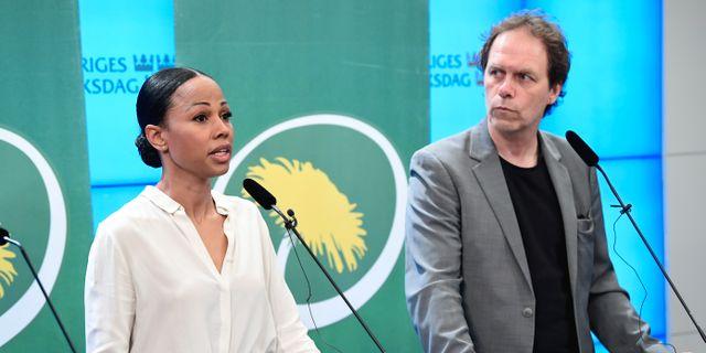 Alice Bah Kuhnke (MP) och Pär Holmgren (MP). Jonas Ekströmer/TT / TT NYHETSBYRÅN