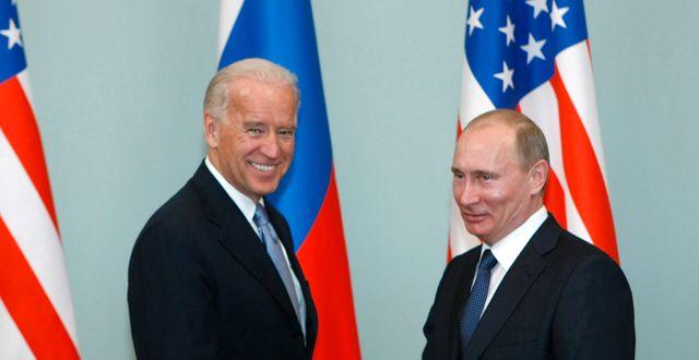 Biden och Putin (bild från 2011) Alexander Zemlianichenko / TT NYHETSBYRÅN