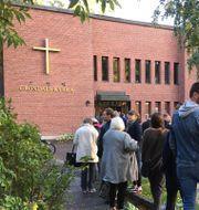 Kön var lång till Gröndals kyrka i södra Stockholm under valdagen. Petra Lindell / TT / TT NYHETSBYRÅN