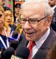 Arkivbild: Warren Buffett under en hälsovårdskonferens där Berkshire Hathaways produkter och tjänster visades upp, 4 maj 2019.  Nati Harnik / TT NYHETSBYRÅN