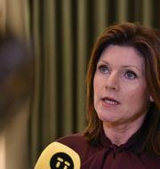 Arbetsmarknadsminister Eva Nordmark kommenterade på fredagskvällen de strandade las-förhandlingarna vid en pressträff. Thommy Tengborg/TT / TT NYHETSBYRÅN