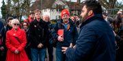 Ali Milani, Labour, (till höger) kampanjar för att ta västra London – den plats som idag tillhör premiärminister Boris Johnson.  NIKLAS HALLE'N / AFP