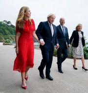 Premiärminister- och presidentparen på promenad. Patrick Semansky / TT NYHETSBYRÅN