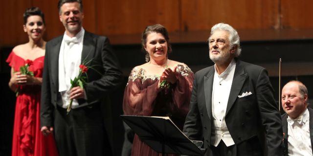 Placido Domingo applåderas i Salzburg igår. FRANZ NEUMAYR / APA