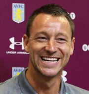 John Terry presenteras av Aston Villa idag. Aaron Chown / TT NYHETSBYRÅN
