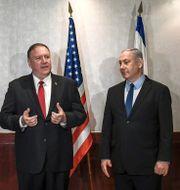 Mike Pompeo och Benjamin Netanyahu under ett möte i Lissabon i fjol. Patricia De Melo Moreira / TT NYHETSBYRÅN