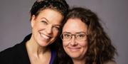 Jenny Teleman och Anna Tullberg, programledare för Romanpriset. Mattias Ahlm/Sveriges Radio
