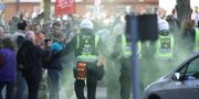 Poliser bevakar motdemonstranter inför NMR:s demonstration i centrala Göteborg. Arkivbild. Adam Ihse/TT / TT NYHETSBYRÅN