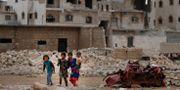 Barn i utkanten av al-Bab i norra Syrien.  Lefteris Pitarakis / TT NYHETSBYRÅN