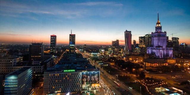 Warszawa är nära att flyga till och billig att vistas i.