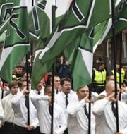 Nordiska motståndsrörelsen (NMR) och Judiska centralrådets ordförande Aron Verständig.  TT