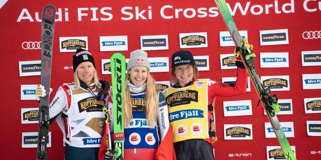 Näslund med Smith och trean Brittany Phelan, Kanada.  Pontus Lundahl/TT / TT NYHETSBYRÅN