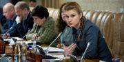 Maria Butina vid ett möte med experter som har kopplingar till ryska myndigheter, arkivbild. HANDOUT / TT NYHETSBYRÅN
