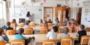 Elever och lärare i klassrum. Jonas Ekströmer/TT / TT NYHETSBYRÅN