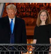 Donald Trump och Amy Coney Barrett. Alex Brandon / TT NYHETSBYRÅN