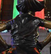 Statyn Fearless girl, framför New York Stock Exchange.  ANGELA WEISS / AFP