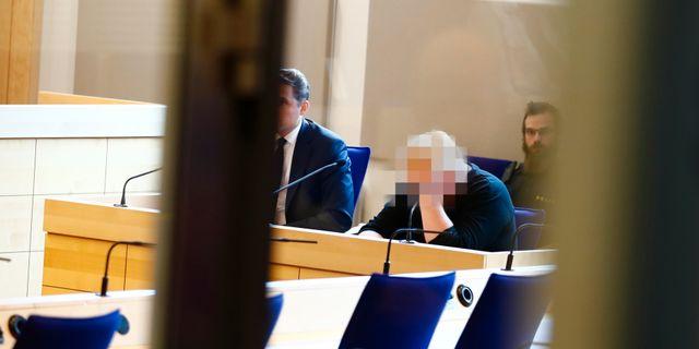 24-åringen som misstänks för dubbelmordet i Mantorp under  häktningsförhandlingen i Linköpings tingsrätt. Stefan f4ee70cecd269