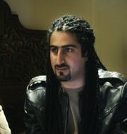 Omar bin Laden med sin fru i en intervju med AFP 2008. Nasser Nasser / TT NYHETSBYRÅN