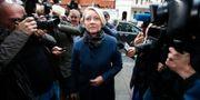 Åklagare Ingrid Isgren anländer till Ecuadors ambassad för förhör av Julian Assange i november 2016. Arkivbild. PETER NICHOLLS / TT NYHETSBYRÅN