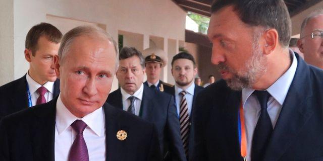 Vladimir Putin och Oleg Deripaska. Mikhail Klimentyev / TT / NTB Scanpix