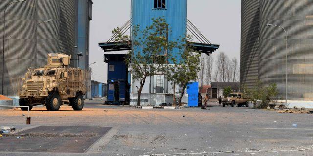Regeringsstyrkor i Hodeidahs östra utkanter.  KHALED ZIAD / AFP