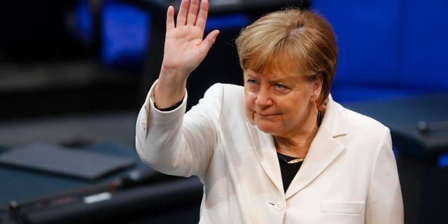 Merkel på plats i Förbundsdagen. KAI PFAFFENBACH / TT NYHETSBYRÅN