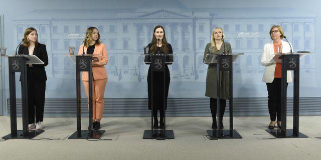 Arkivbild på den finska regeringen. Statsminister Sanna Marin i mitten. EMMI KORHONEN / TT NYHETSBYRÅN