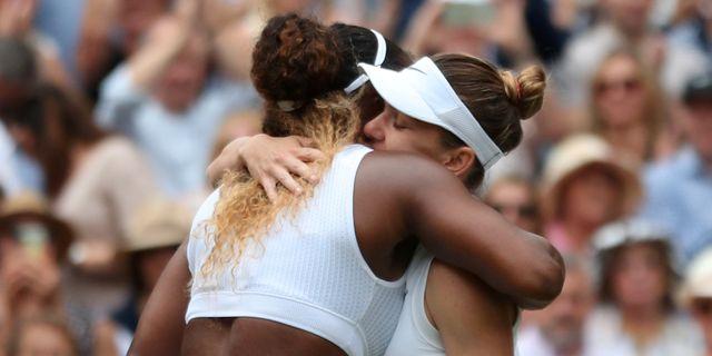 Serena Williams och Simona Halep. HANNAH MCKAY / BILDBYRÅN