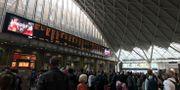 Strömavbrott på stationen King's Cross i London i går. Abbianca Makoni / TT NYHETSBYRÅN/ NTB Scanpix