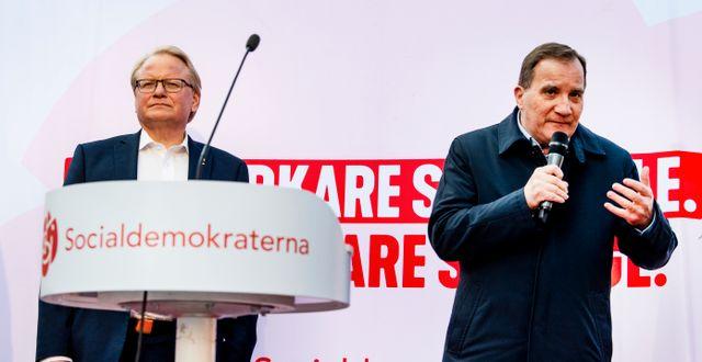 Försvarsminister Peter Hultqvist och statsminister Stefan Löfven. Ulf Palm/TT / TT NYHETSBYRÅN