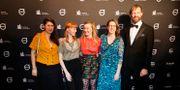 """Personer från filmen """"Psykos i Stockholm"""" anländer till invigningen av Göteborgs filmfestival. Regissör och manusförfattare Maria Bäck i mitten.  Björn Larsson Rosvall/TT / TT NYHETSBYRÅN"""