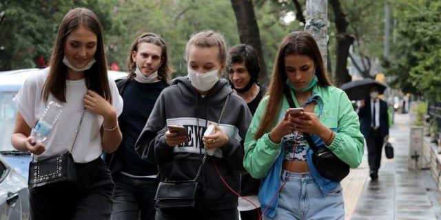 Människor i Ankara. Burhan Ozbilici / TT NYHETSBYRÅN