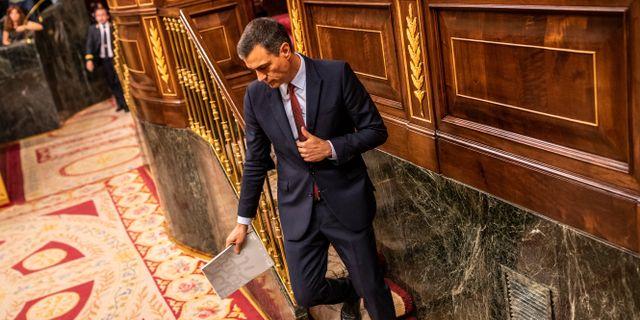 Pedro Sánchez under måndagens debatt.  Bernat Armangue / TT NYHETSBYRÅN