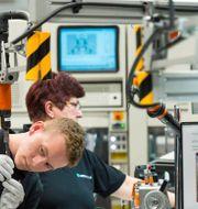 Daimlers batterifabrik.  MATTHIAS RIETSCHEL / TT NYHETSBYRÅN