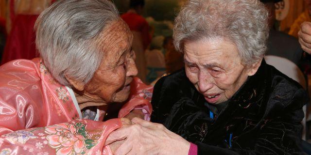 Systrar som deltog i återföreningarna, 2014. Lee Ji-eun / TT NYHETSBYR N