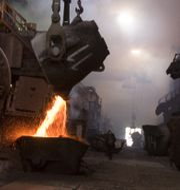 Flytande koppar i Norilsk Nickels fabrik.  SERGEY PONOMAREV / TT / NTB Scanpix