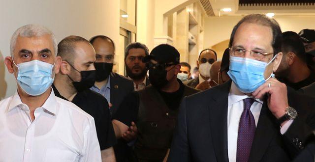 Yahya al-Sinwar och Abbas Kamal. Mohammed Salem / TT NYHETSBYRÅN