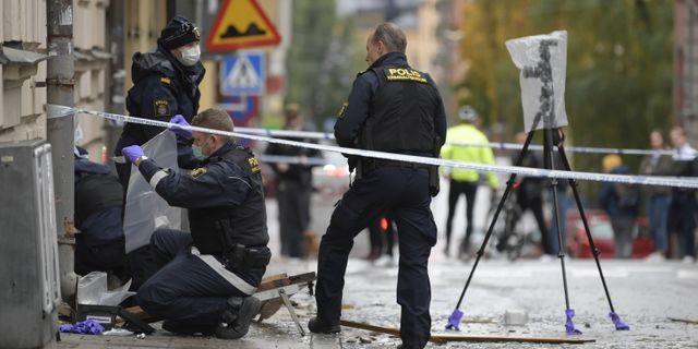 Polis arbetar på platsen på torsdagsmorgonen Janerik Henriksson/TT / TT NYHETSBYRÅN