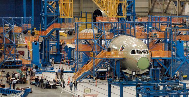 Dreamliner under tillverkning.  John Froschauer / TT NYHETSBYRÅN