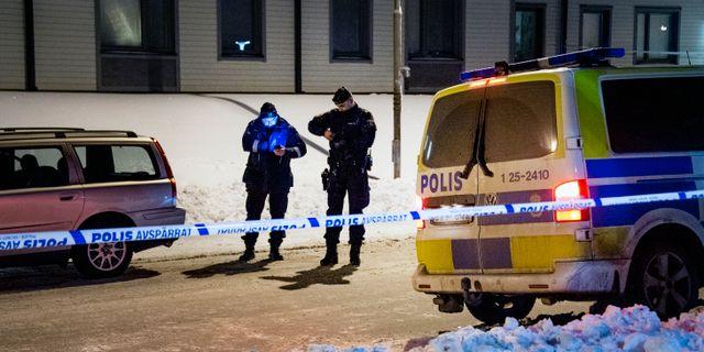 Polisen efter skottlossningen.  Ulf Palm/TT / TT NYHETSBYRÅN