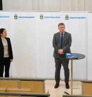 Ahn-Za Hagström, Säpos chef Klas Friberg och Kennet Alexandersson analytiker, presenterar SÄPOs årsbok Pontus Lundahl/TT / TT NYHETSBYRÅN