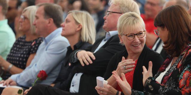 Partiledare Stefan Löfven (S) finansminister Magdalena Andersson, försvarsminister Peter Hultqvist och utrikesminister Margot Wallström i Hågelbyparken under Botkyrkadagen. Sören Andersson/TT / TT NYHETSBYRÅN