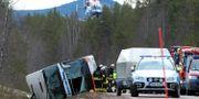 Bild från bussolyckan.  Nisse Schmidt/TT / TT NYHETSBYRÅN